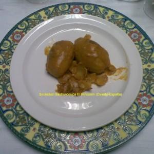 Patatas rellenas de oricios y langostinos